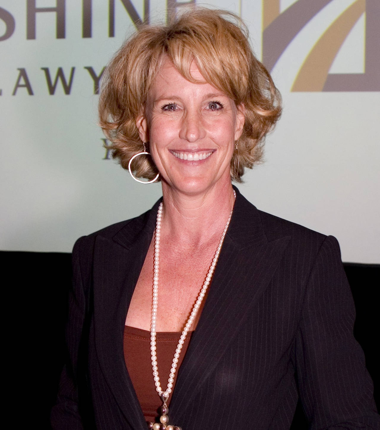 erin brokavich Erin brockovich is helping people who have been adversely impacted by environmental issues, pharmaceuticals, medical devices and personal injury.