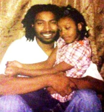 Charles Jones with his only daughter Aiyana Jones before she was killed by Detroit cop.