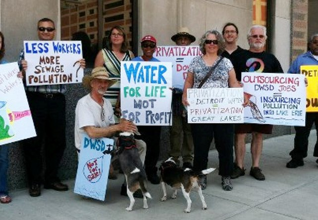 People's Water Board Coalition protest outside Detroit Water Board building Aug. 21, 2012.