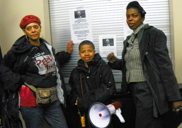 Protesters including DPS board member Tawanna Simpson (r) carried out eviction of EFM Roy Roberts Nov. 12, 2012. Now he in turn has evicted the school board (again) under PA 436.