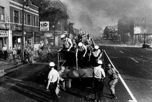 Troops on the streets of Detroit during the 1967 rebellion. DFP