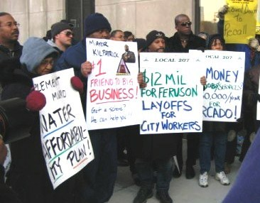 AFSCME Local 207 DWSD workers picketed against Mayor Kwame Kilpatrick over privatization there. Kilpatrick is now in prison in a case related to the Synagro sewage sludge deal.