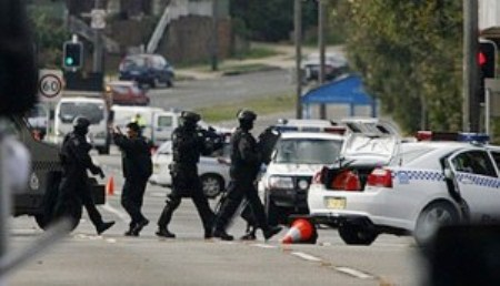 Police siege similar to that in which children of Nathaniel Brent were kidnapped.