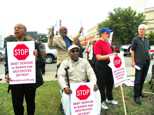 Baxter Jones (center) takes part in rally against EM takeover of Detroit June 6, 2013.
