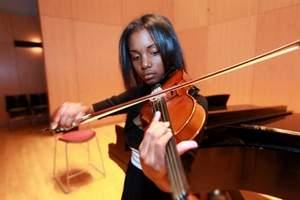 DSA student violinist.