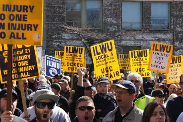 Longshore workers from across the Pacific Northwest have come to the aid of locked out grain handlers in ILWU Local 4 and Local 8. Source: ILWU.