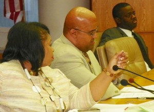 Councilwoman Brenda Jones makes a point as Councilmen Kenneth Cockrel, Jr. and Andre Spivey listen doubtfully.