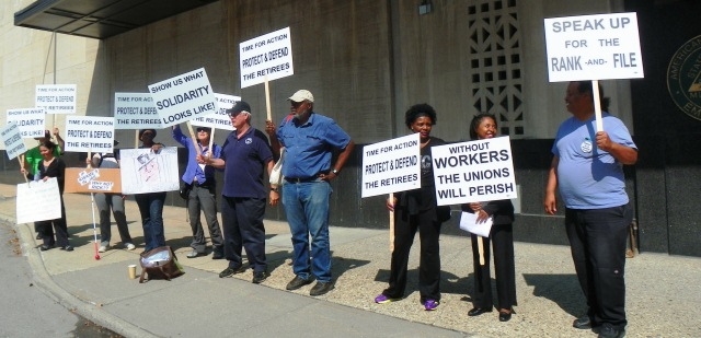 Retirees protest AFSCME's betrayal on bankruptcy eligibility appeal outside Co 25 headquarters in Detroit July 31, 2014.