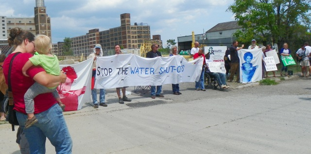 Protesters prepare for arrest at Homrich water shut-off facility July 18, 2014.