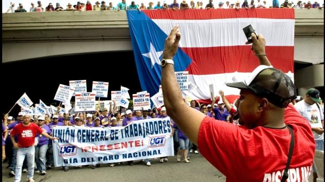 Puerto Rican unions rally in support of general strike against Jones Day-engineered austerity measures.
