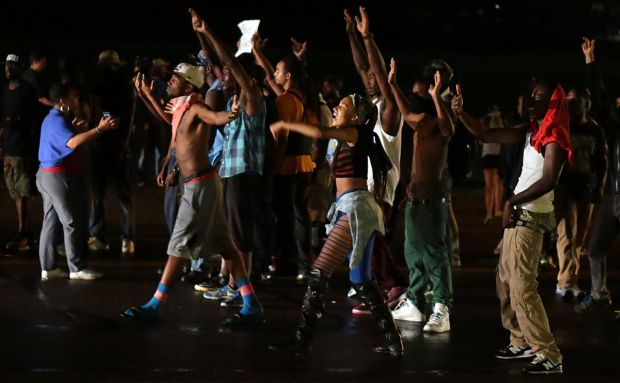 Youth continue protests in Ferguson August 15