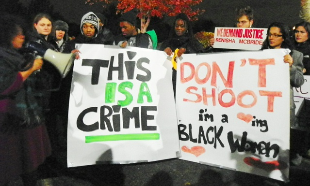 Youth protested outside Dearborn Heights police headquarters Nov. 17, 2013. Photo: Diane Bukowski