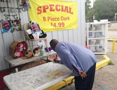 Memorial for Alton Sterling at store.