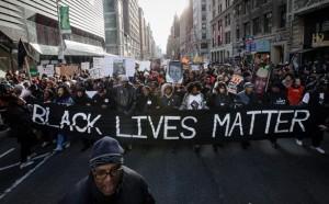 Black-Lives-Matter-Banner_John-Minchillo-AP