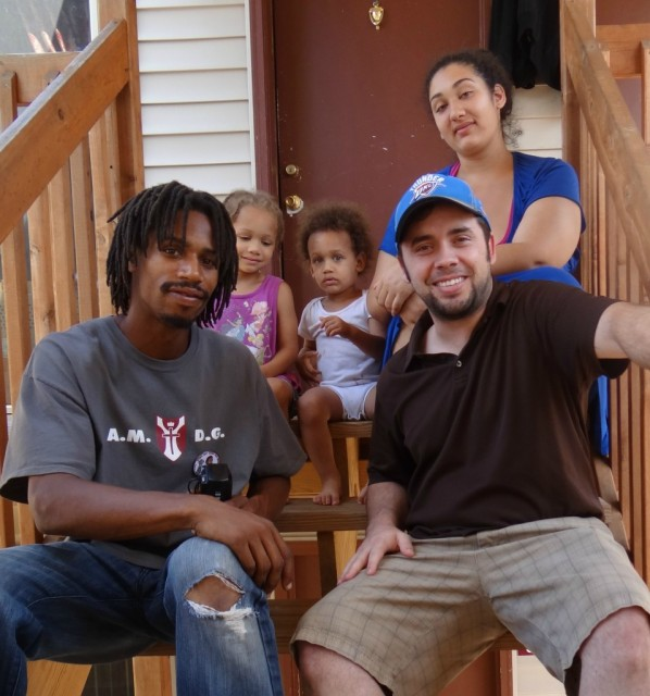 David Whitt (l) and family with organizer Lance Murray from the Free Thought Project.