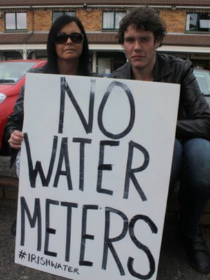 Irish protesters demand that no water meters be installed.