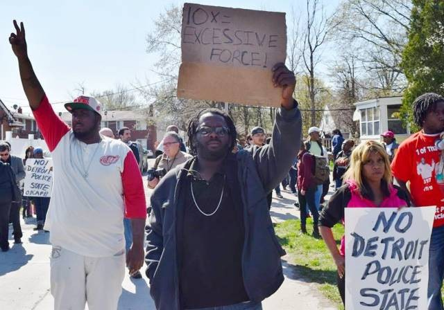 Hundreds rally near Terrance Kellom's home on Evergreen April 28, 2015. Photo: Kenny Snodgrass