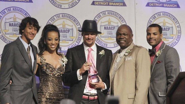 Kid Rock gets award from Rev. Wendell Anthony, head of Detroit NAACP, during Freedom Fund dinner. Anthony also sits on the board of the Detroit General Retirement System, and remarked at its meeting Wed. July 8 that Greece needs an Emergency Manager!