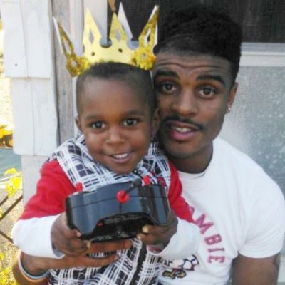 "Kimoni ""Kodak"" Davis and son."