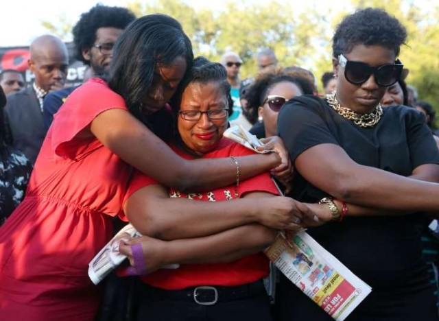 Sandra Bland friends and family grieve.